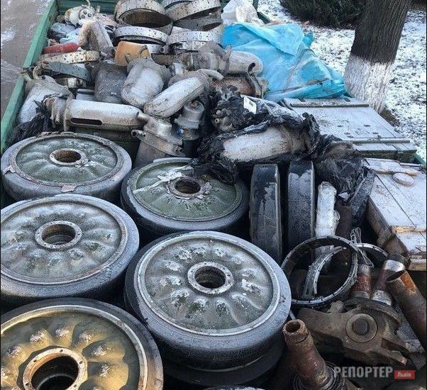 11 обшуків на Львівщині через крадіжки військового спорядження