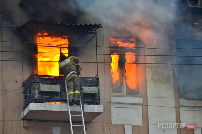 Пожежа в Червонограді забрала життя чоловіка